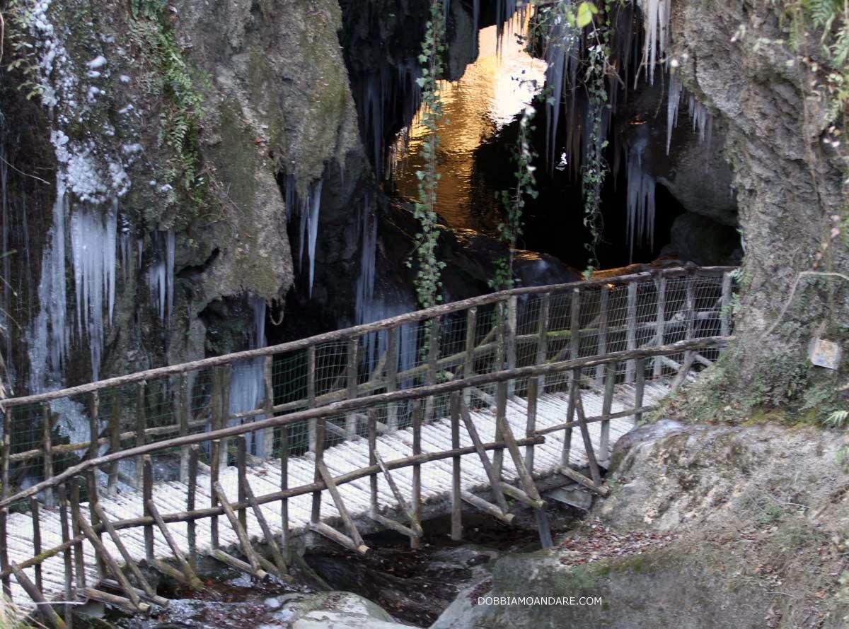 Grotte del Caglieron in inverno