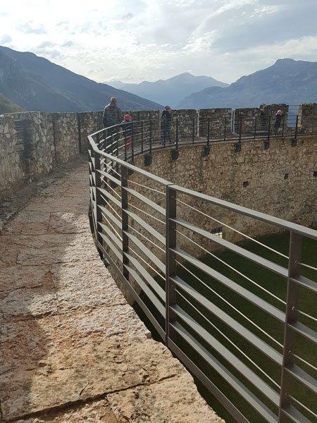 Camminamento di ronda a Castel Beseno