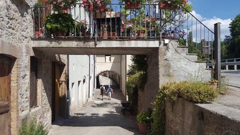 Entriamo nel borgo di Rasiglia
