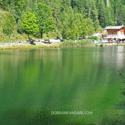 Lago Smeraldo a Fondo in Val di Non